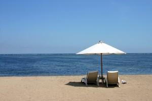 синее море, золотистый песок... Что еще нужно для счастья?