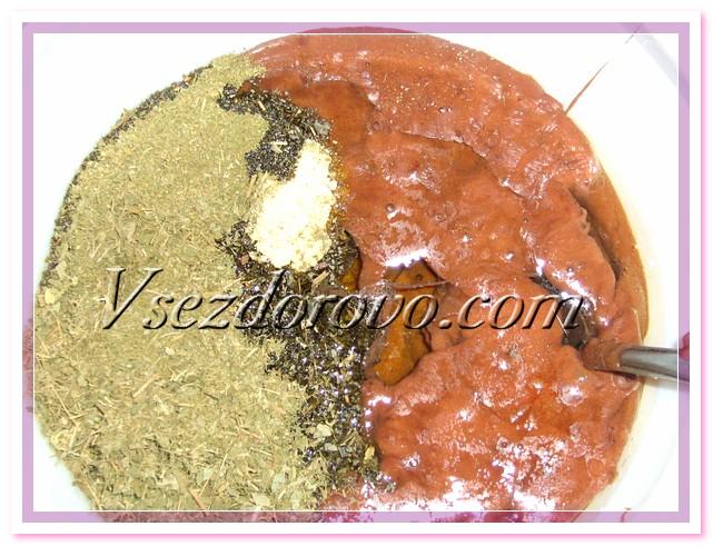 добавляем оливковое масло, тщательно перемешиваем