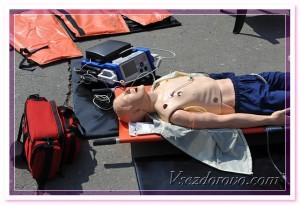 медицинский манекен тренажер фото