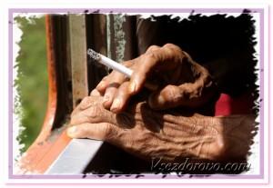 руки курильщицы фото