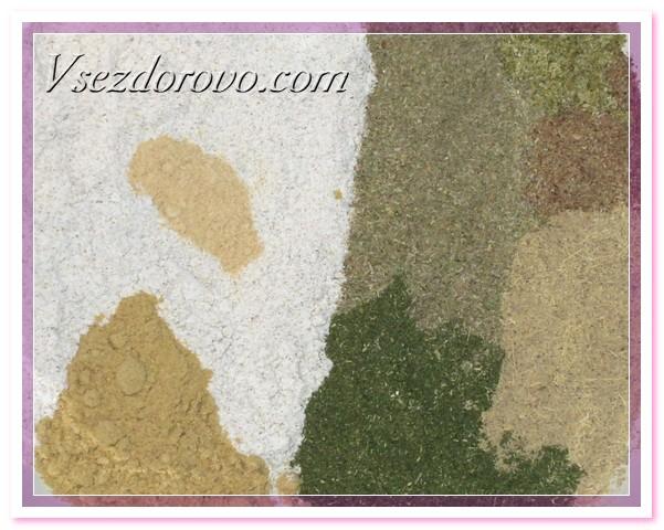 Тщательно смешиваем муку, травы, горчицу и имбирь до получения однородной массы