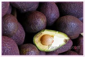 Спелые плоды авокадо фото