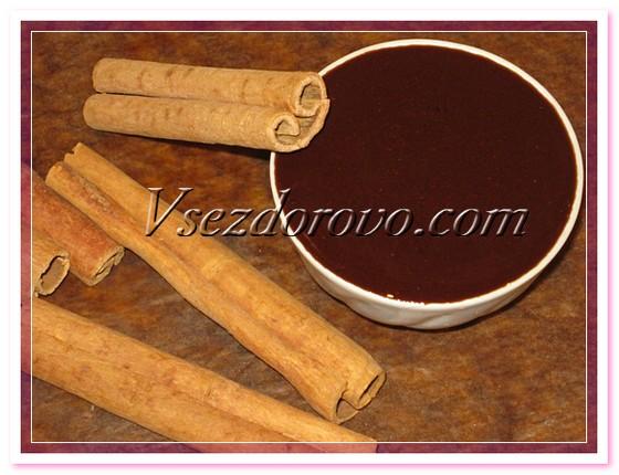 Готовую теплую ароматную смесь наносим на влажные волосы