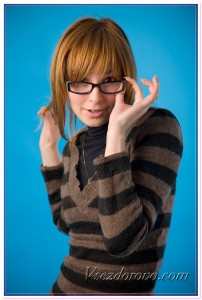 Девушка в очках фото