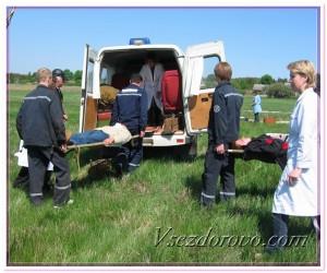 Транспортировка пострадавших пассажиров фото