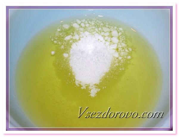 Добавляем жидкие масла и эмульсионный воск