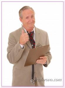 Приветливый врач фото