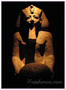 Статуя фараона фото