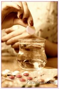 Рука с таблеткой фото