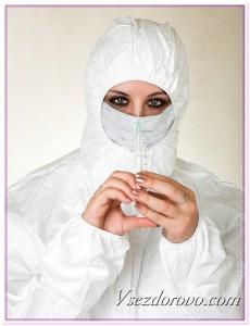 Девушка в защитном костюме и повязке фото