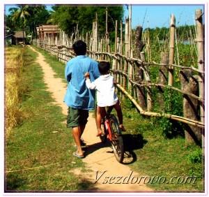 Сельские дети на прогулке фото