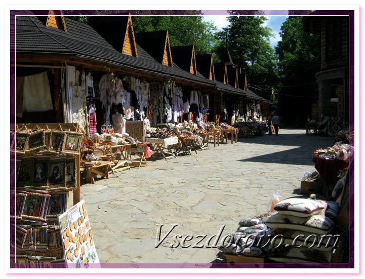 Рынок с сувенирами в Яремчем