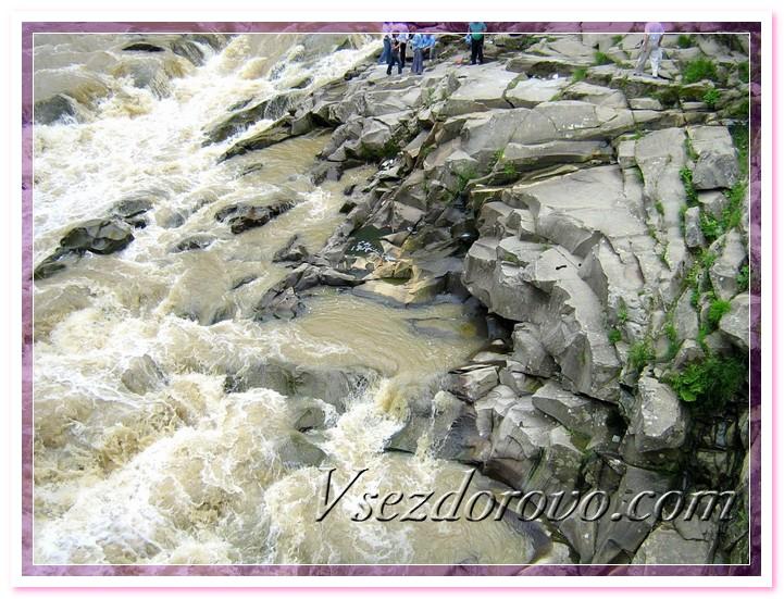 Водопад на реке Прут