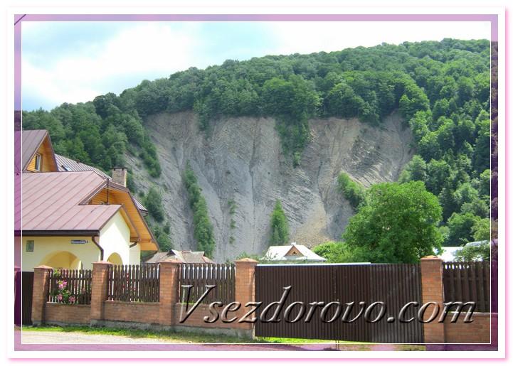 Частный пансионат у самого подножия гор фото
