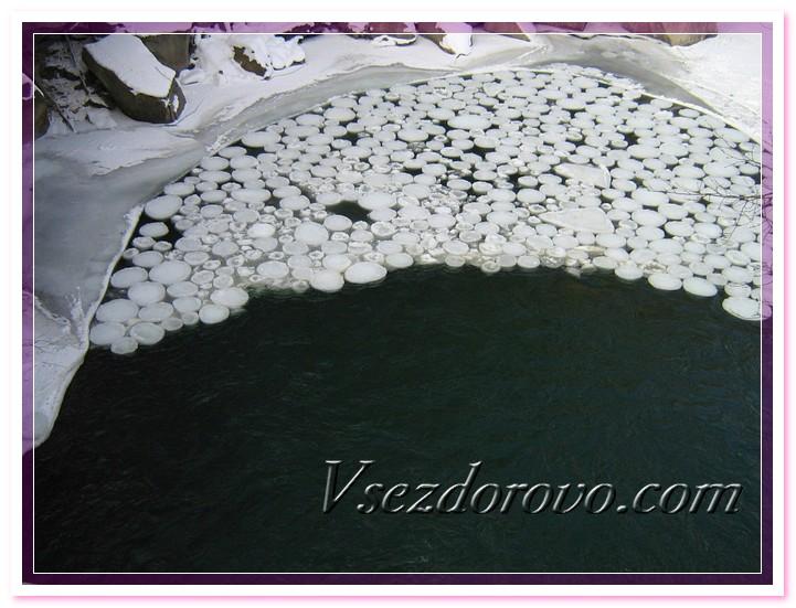 Водопад в Яремчем зимой фото