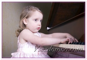 Маленькая пианистка фото
