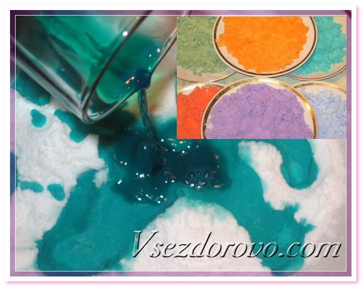 Предварительно покрасим соду пищевыми или косметическими красителями