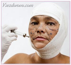 женщина ставит себе инъекции ботокса