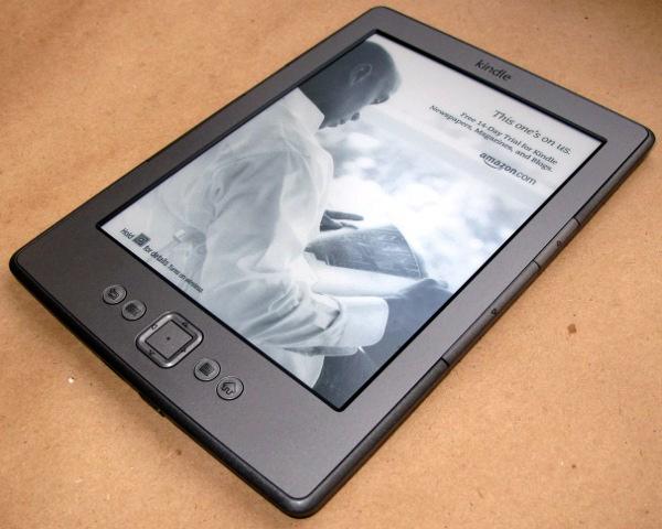Amazon Kindle 4 лицевая сторона