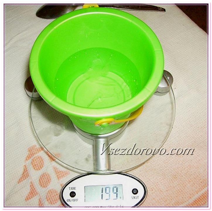 отмеряем нужное количество воды