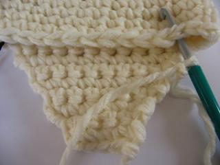 Kак связать шапочку для новорожденного с ушками крючком