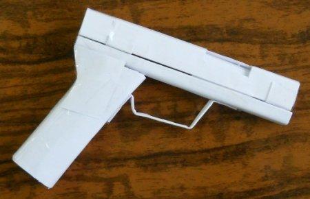 Настоящий пистолет из бумаги