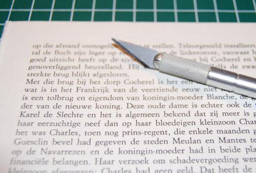 2 браслета из книжных страниц своими руками
