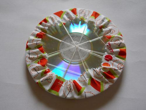 Органайзер для рукоделия из старых CD-дисков