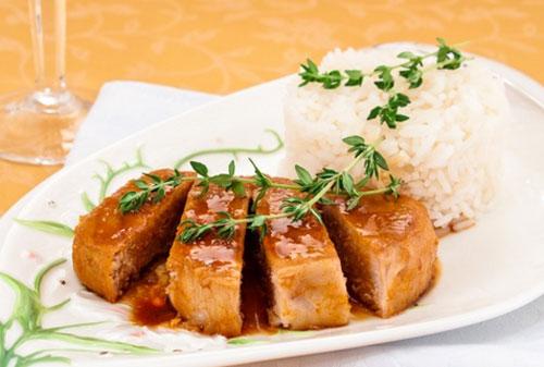 Свинина в соево-имбирном соусе