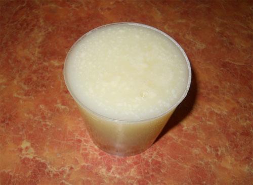 доливаем молочную сыворотку