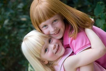 Первая стрижка очень важна для ребенка. Это формирует его эстетику красоты и учит ухаживать за собой.