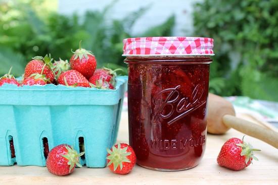 Клубничное варенье пятиминутка и с целыми ягодами
