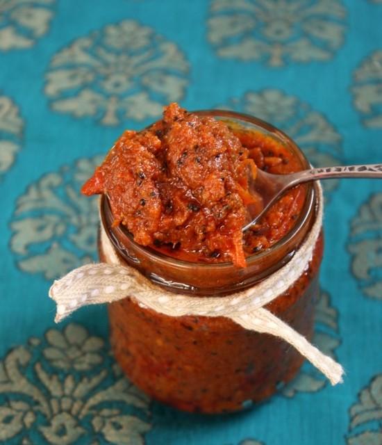 Помидоры с чесноком на зиму, рецепты. Лучшие рецепты помидоров с чесноком на зиму «Пальчики оближешь», «Под снегом», без стерилизации и уксуса