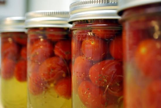 Помидоры в собственном соку, рецепты на зиму с фото. Заготовка помидоров в собственном соку без стерилизации, с томатной пастой, «Пальчики оближешь»
