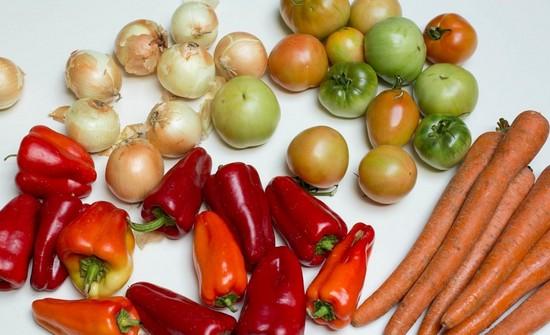 салаты рецепты из помидоров сыра перец
