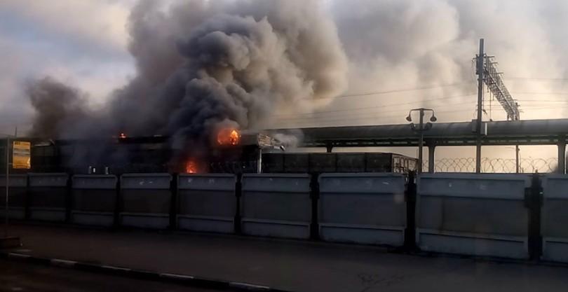 Пожар на станции «Выхино» - фото и видео пожара в метро «Выхино»