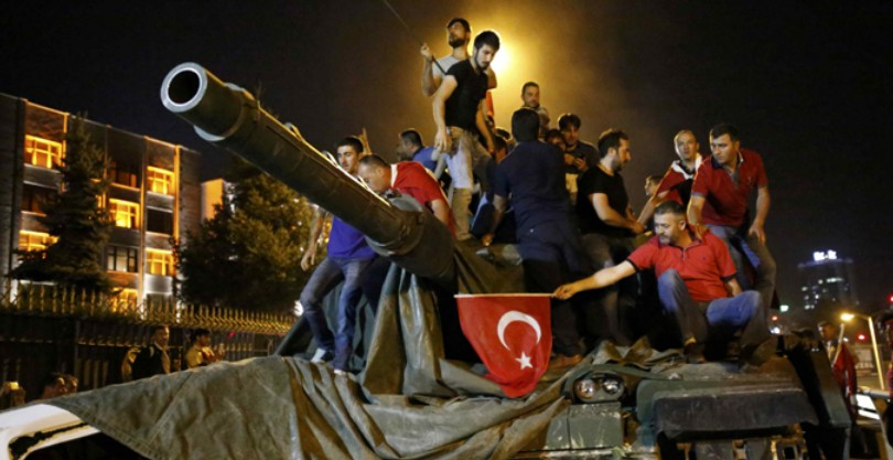 Военный переворот в Турции: главные версии. Операция США против ИГ обречена на провал?