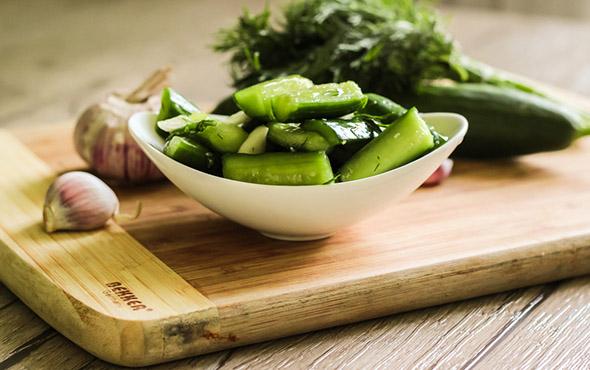 малосольные огурцы с кабачками рецепт быстрого приготовления в кастрюле
