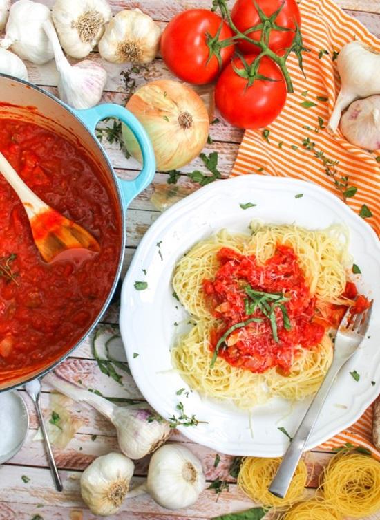 простой рецепт салата из помидоров пальчики оближешь