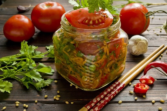 Вкусный салат из помидоров на зиму