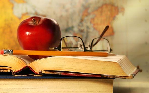 Стихи про учителей-предметников, первого учителя и педагогов начальных классов: красивые, короткие, смешные