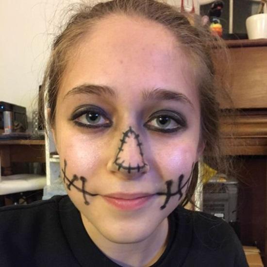 makiyazh-na-halloween-63 Макияж на Хэллоуин ☠ Как сделать грим на Halloween в домашних условиях