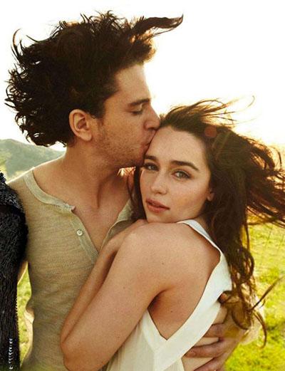 Фото целующихся в реальной жизни Эмилии Кларк и Кита Хэрингтона выложены в Сеть