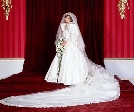 Фотоподборка: самые красивые свадебные платья знаменитостей