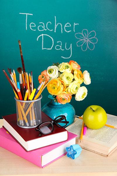 Изображение - Распечатать поздравление с днем учителя otkrytki-s-dnem-uchitelya-222