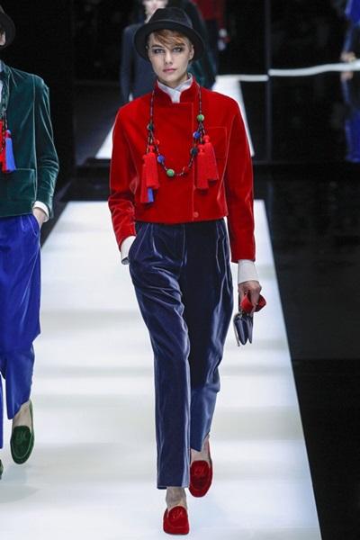 Модный показ новой коллекции Armani: осень-зима 2017-2018