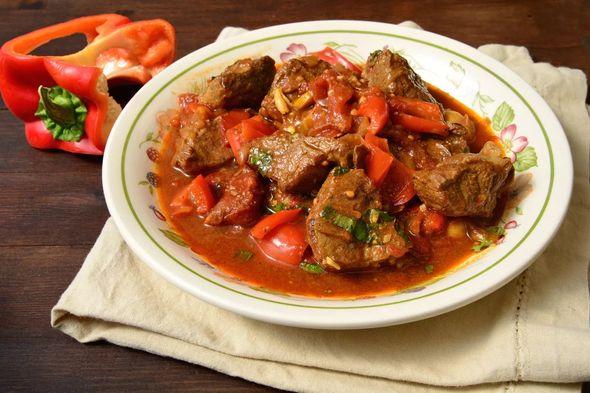 Гуляш из говядины: 5 вкусных рецептов приготовления гуляша из говядины с фото