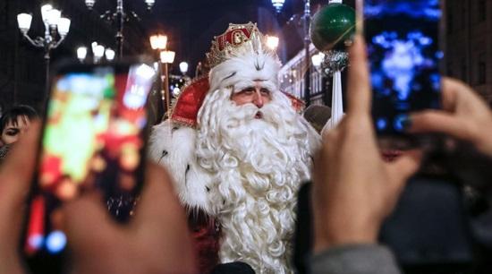 Веселые игры и конкурсы для Деда Мороза и Снегурочки с детьми на дому, в детском саду и школе