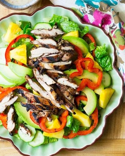 очень вкусный салат с курицей с фото