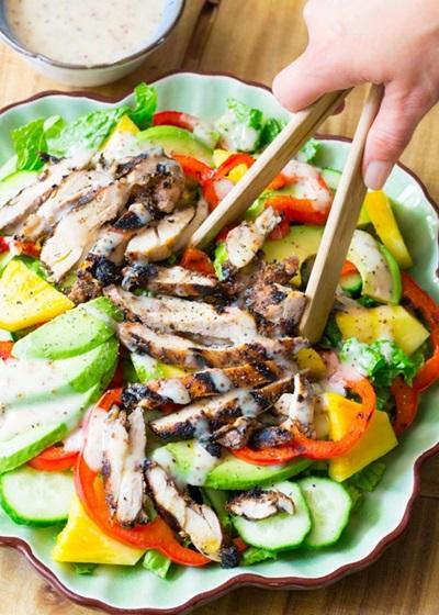 салат с курицей классический простой рецепт видео